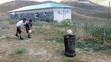 "Erzurum'da ""Survivor"" Köy Versiyonu"