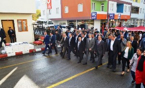 KARATAŞ UZUNDERE'DE CUMHURİYET BAYRAMI KUTLAMALARINA KATILDI